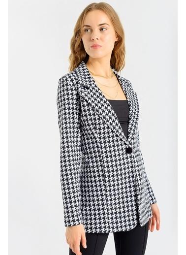 Jument Kadın Desenli Uzun Kol Tek Düğme Kaşe Kışlık Ceket-Siyah Kareli Renkli